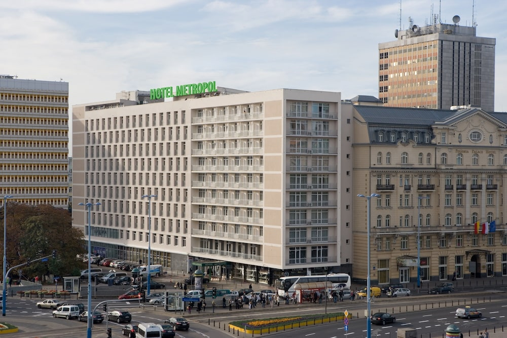 Book metropol hotel in warsaw for Top design hotels poland