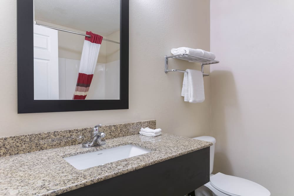 Superior-huone, 1 suuri parisänky, Esteetön, Tupakointi kielletty (Roll-In Shower) - Kylpyhuone