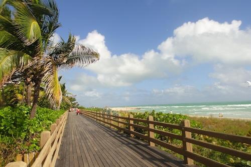 萊德薩斯海灘飯店/