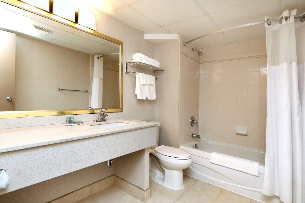 Executive tuba, 1 ülilai voodi, suitsetamine keelatud, külmkapp ja mikrolaineahi (Oversized Room) - Vannituba