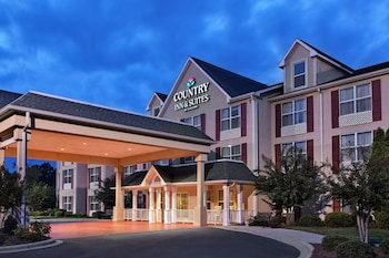 Picture of Country Inn & Suites by Radisson, Charlotte I-485 at Highway 74E, NC in Matthews