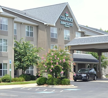 Picture of Country Inn & Suites By Carlson, Charlotte I-485 at Hwy 74E in Matthews