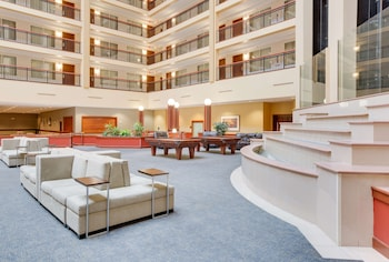 Foto Embassy Suites Cleveland Rockside di Independence