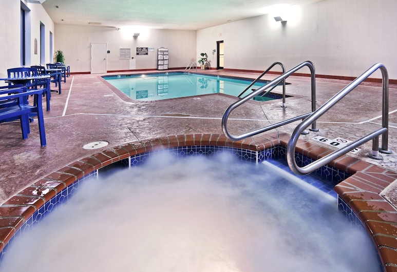 Holiday Inn Express & Suites Midwest, Midwest City, Baseinas