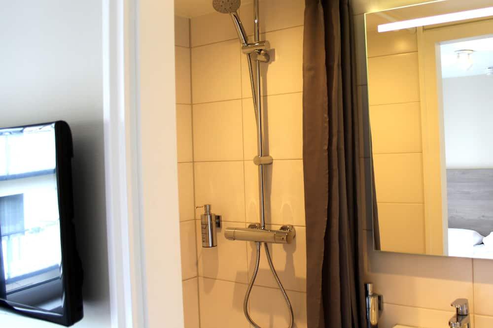 Двомісний номер категорії «Комфорт» (Small With Shower) - Ванна кімната