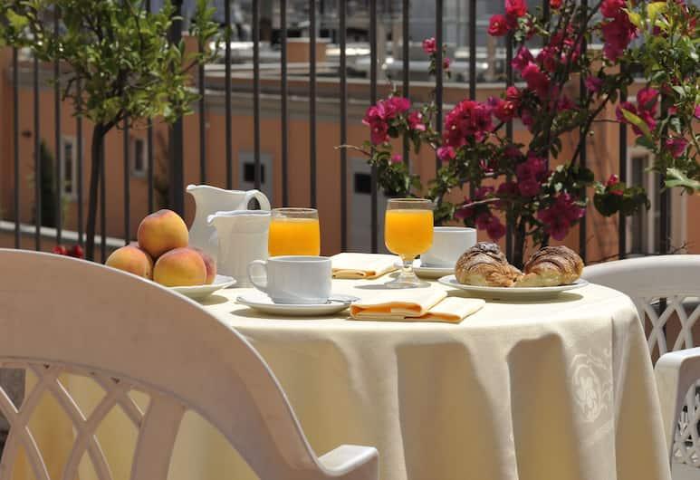 Hotel Torino, רומא, ארוחה בחוץ