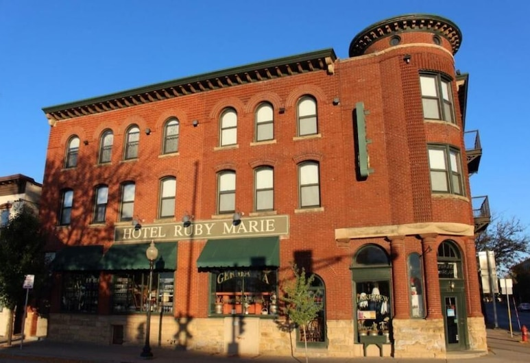 Hotel Ruby Marie, Madison