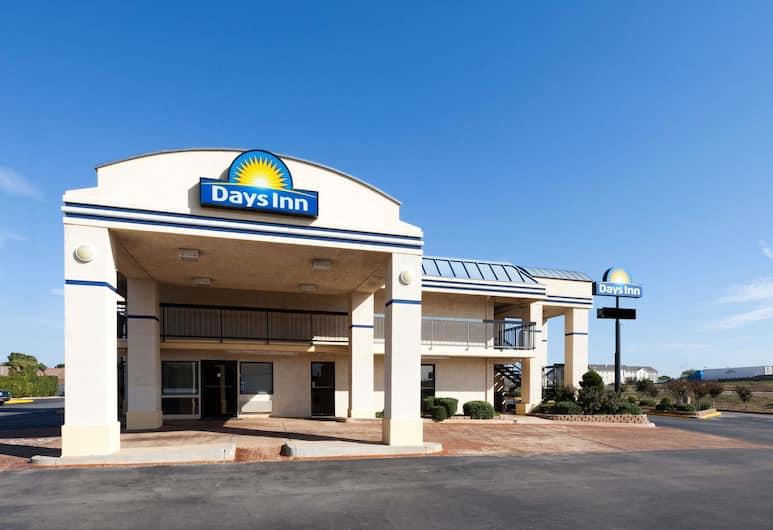 Days Inn by Wyndham Oklahoma City West, Oklahoma City