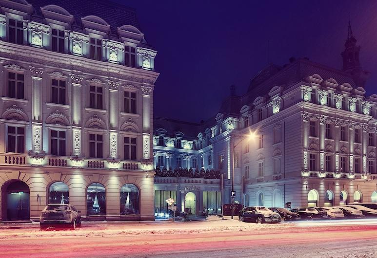 グランド ホテル コンチネンタル, ブカレスト, ホテルのフロント - 夕方 / 夜間