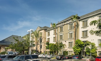 Picture of Ayres Hotel Anaheim in Anaheim