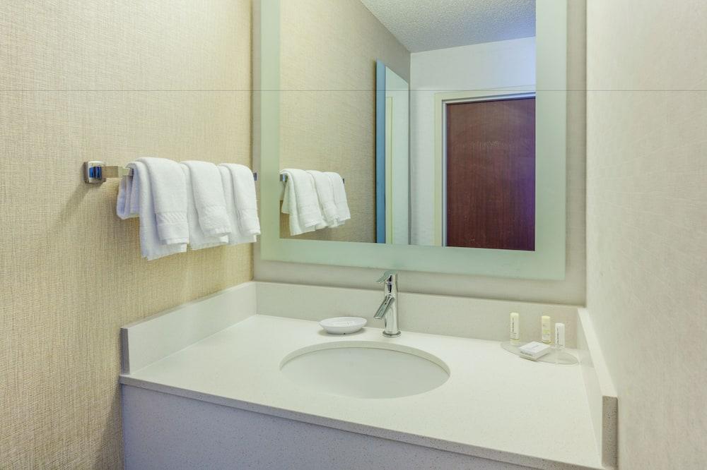 Suite, 2 camas Queen size, para no fumadores - Lavabo en el baño