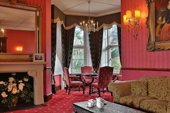 Enter your dates to get the Canterbury hotel deal