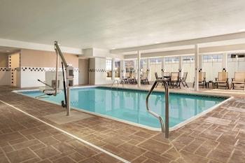 A(z) Country Inn & Suites by Radisson, Bloomington-Normal Airport, IL hotel fényképe itt: Bloomington