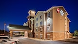 Choose This Cheap Hotel in Aurora