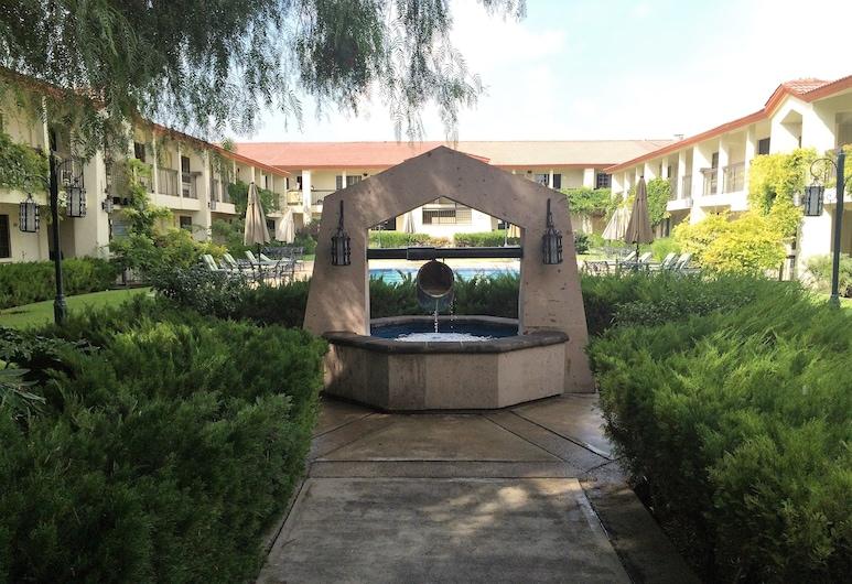 Quinta Dorada Hotel and Suites, Saltillo, Fonte