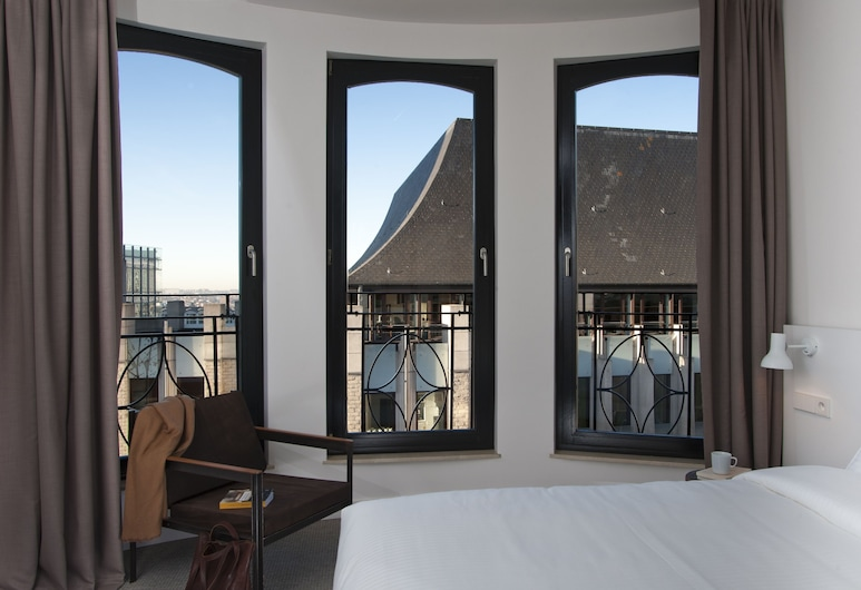 9HOTEL CENTRAL, Brussels, Classic Double Room, Guest Room View