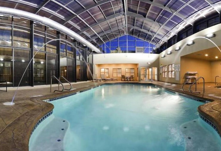 Holiday Inn Express & Suites Absecon-Atlantic City, Absecon, Alberca cubierta