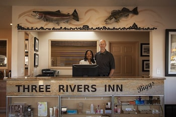 Picture of Three Rivers Inn in Biggs Junction