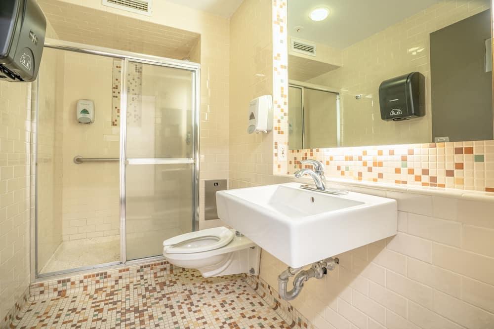 Pokoj Deluxe s dvojlůžkem, společná koupelna - Koupelna