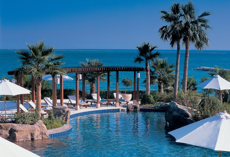 The Ritz-Carlton, Doha, Doha, Alberca