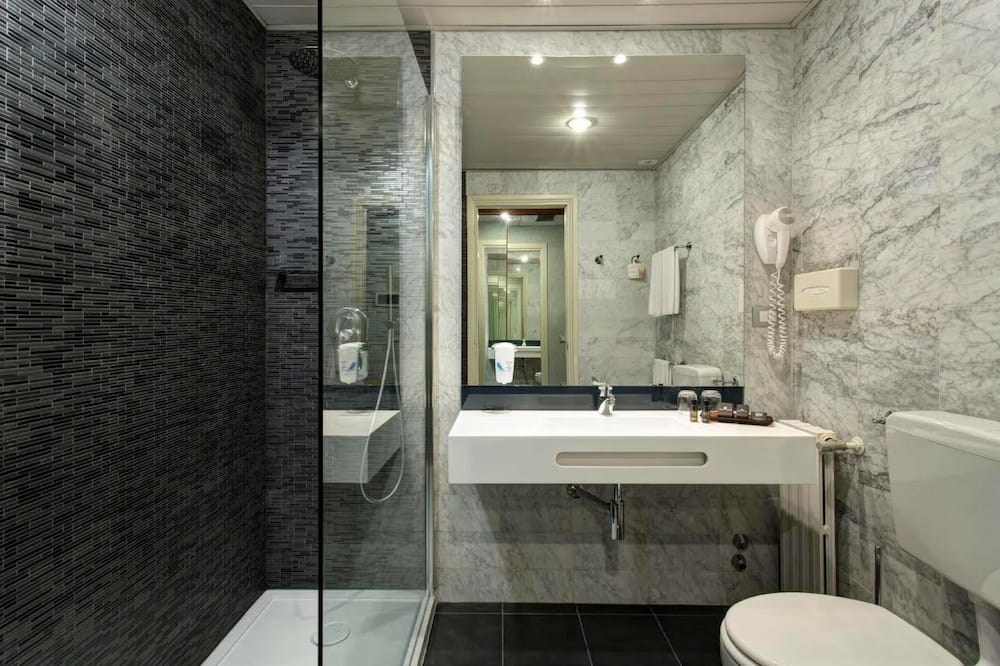 ห้องคลาสสิก, เตียงควีนไซส์ 1 เตียง - ห้องน้ำ