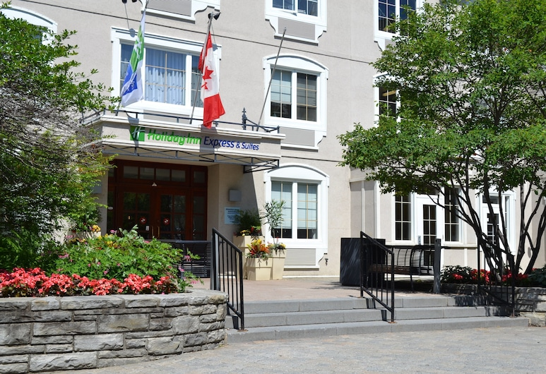 Holiday Inn Express and Suites Tremblant, Mont-Tremblant