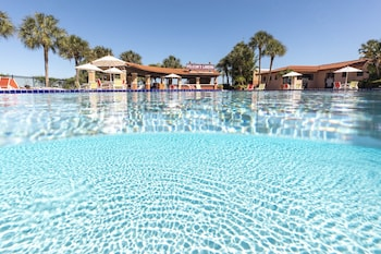 Mynd af Westgate Lakes Resort & Spa Universal Studios Area í Orlando