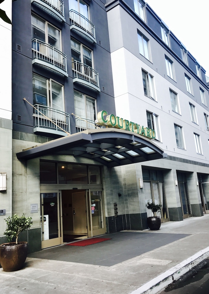 Courtyard By Marriott Oakland Downtown Hotel Front
