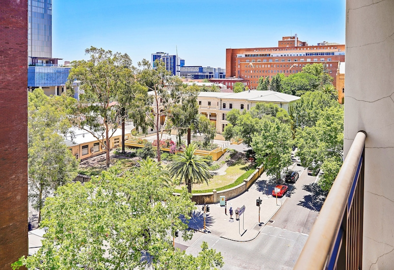 All Suites Perth, Perth, Standard Apartment, 1 Bedroom, Queen Bed, Non Smoking, Balcony, Habitación