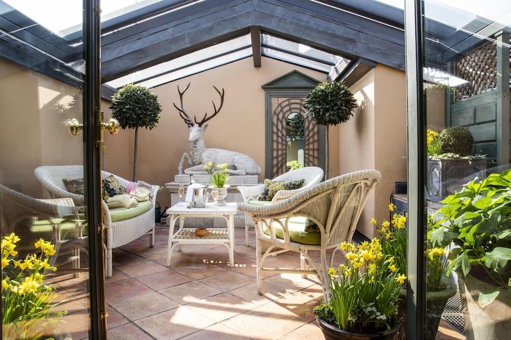 Suite, 1 King Bed - Terrace/Patio