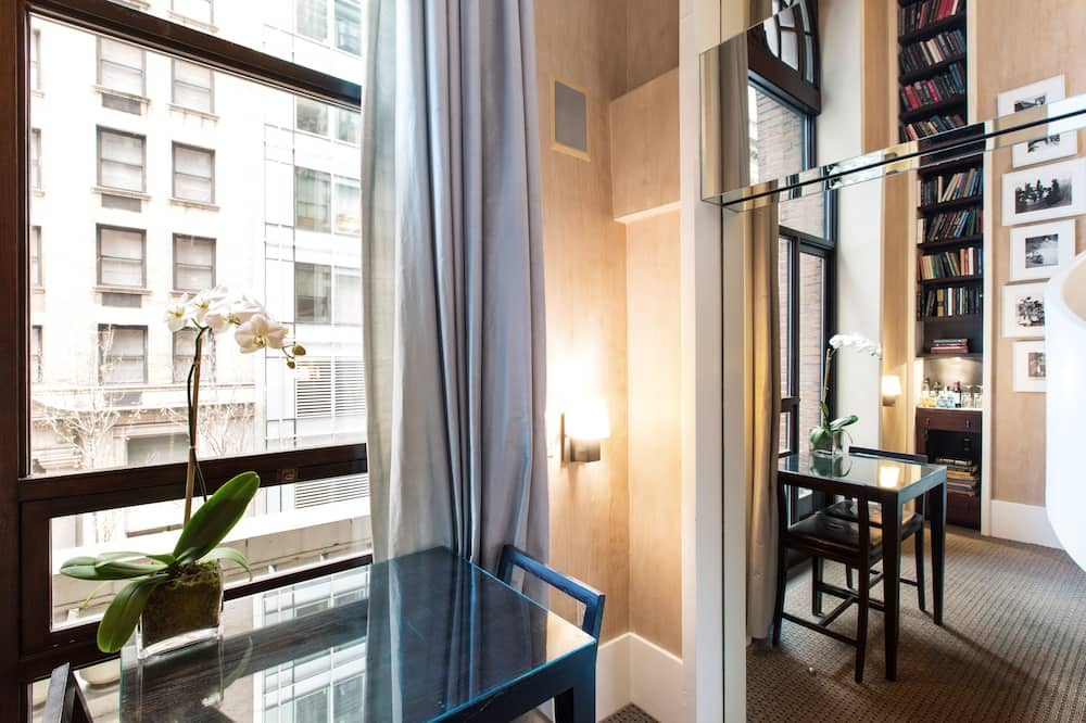 Duplex, 1 King Bed - Street View