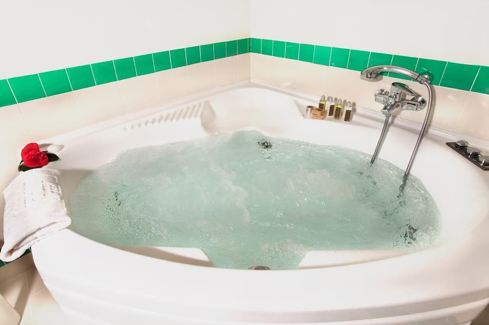 Deluxe-Doppel- oder -Zweibettzimmer (Superior) - Badezimmer