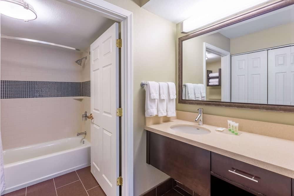Sviitti, 2 parisänkyä (One Bedroom) - Kylpyhuone