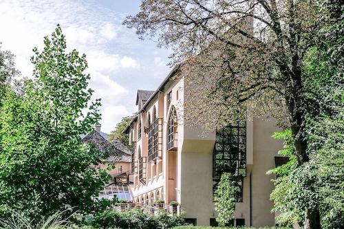 Book Hotel De La Muse Et Du Rozier In Mostuejouls Hotels Com