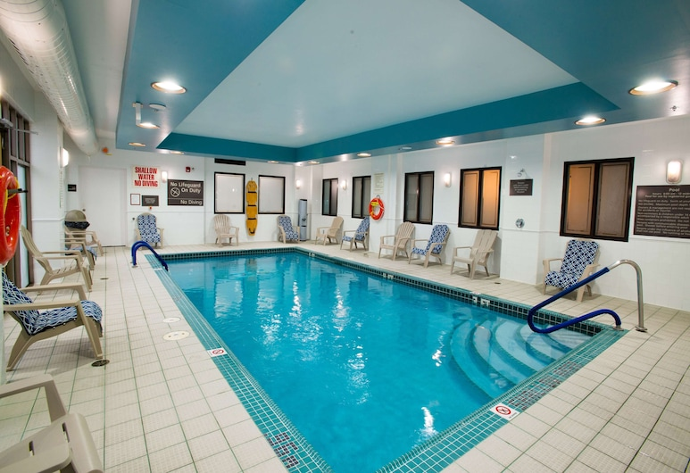 Hampton Inn by Hilton Toronto-Mississauga West, Mississauga, Pool