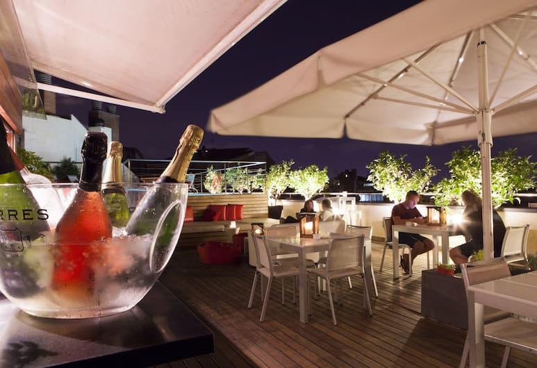 Hotel America Barcelona, Barcelona, Poolside Bar