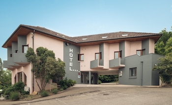Picture of Best Western Bridge Hotel Lyon East in Jons