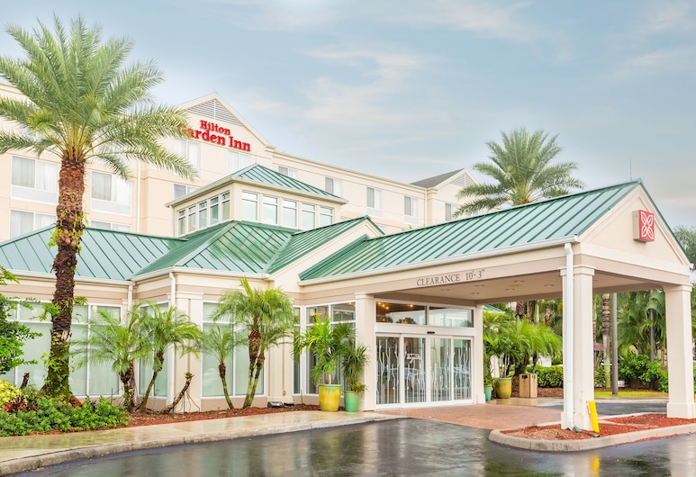 Hilton Garden Inn Ft Myers, פורט מיירס, חזית המלון