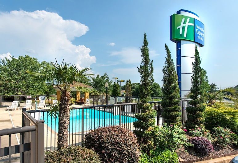 Holiday Inn Express Hotel & Suites Anderson-I-85, Anderson, Pool