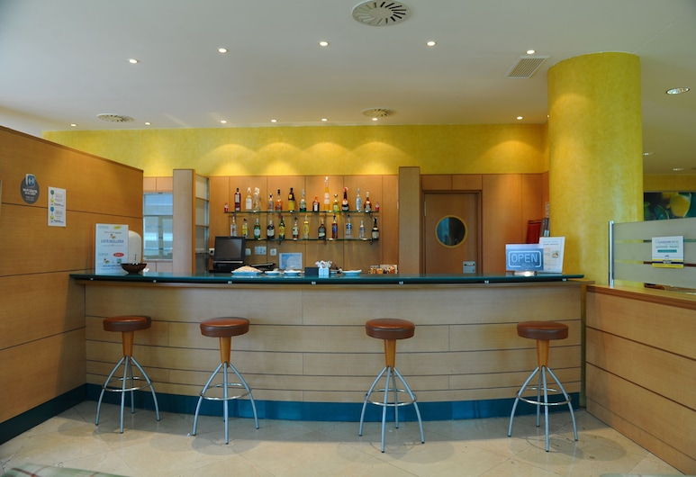 Hotel City Express Santander Parayas, Santander, Hotelbar