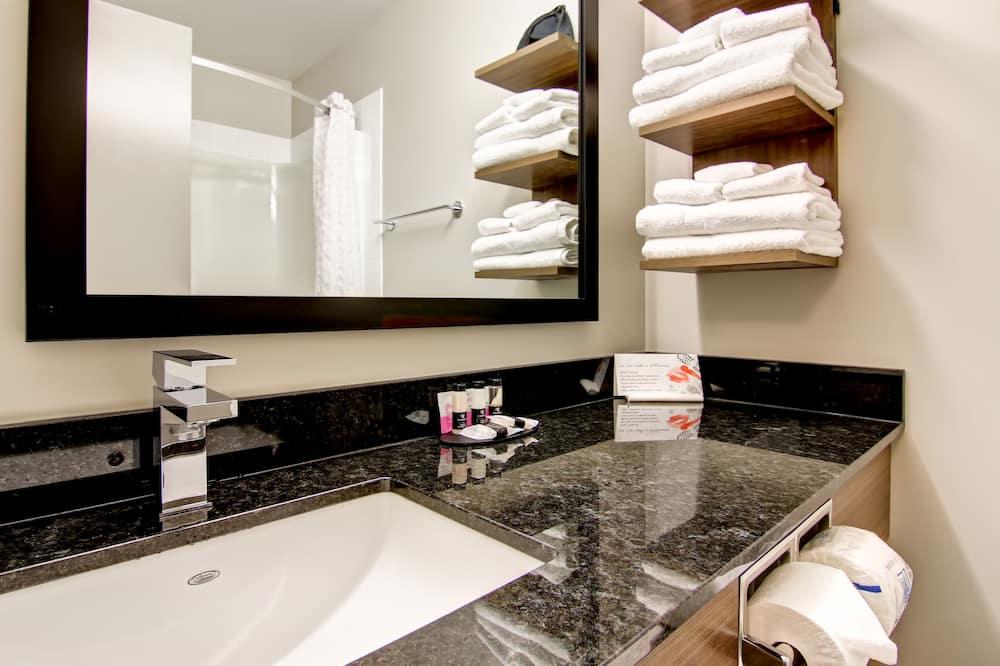 Стандартный номер, 1 двуспальная кровать «Кинг-сайз» - Ванная комната