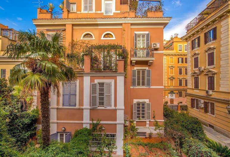 Hotel Villa Glori, רומא, חצר