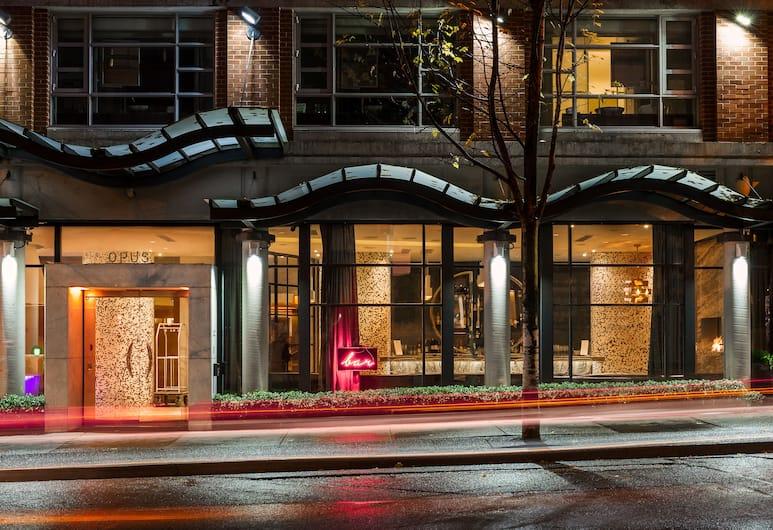 OPUS Hotel Vancouver, Vancouver, Hotel Entrance