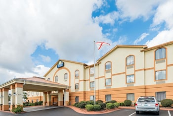 Picture of Days Inn and Suites Prattville-Montgomery in Prattville
