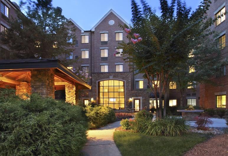 Staybridge Suites Tysons - McLean, McLean, Exterior