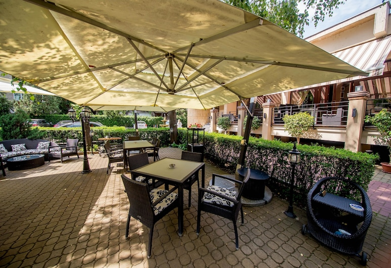 Best Western Central Hotel, Arad, Terrace/Patio