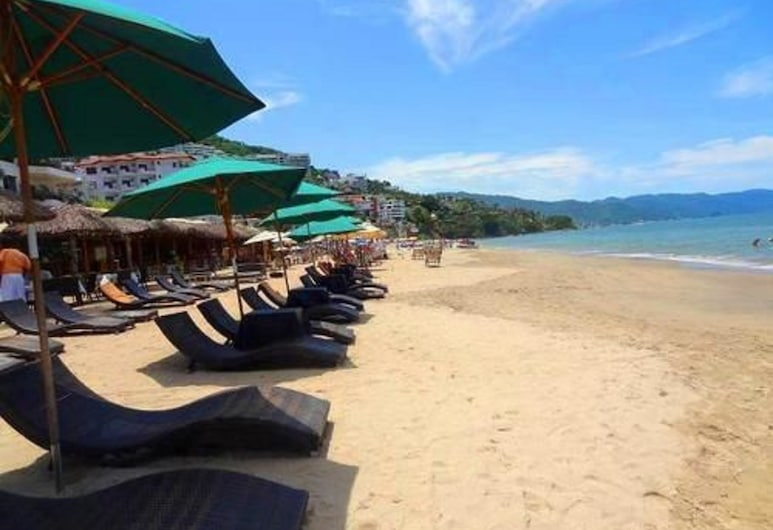 Emperador Vallarta Beachfront Hotel and Suites, Пуэрто-Вальярта, Пляж