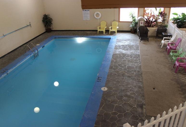 Knights Inn Grand Forks, Grand Forks, Indoor Pool