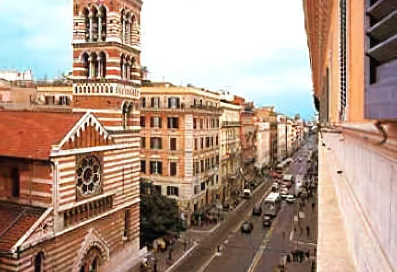 Hotel Martini, Rom, Gadeudsigt
