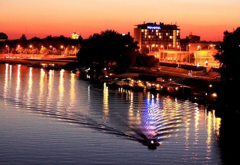 Novotel Szeged, Segedas, Pastato dizainas